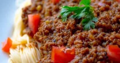 Easy Traditional Spaghetti Sauce Recipe with meat